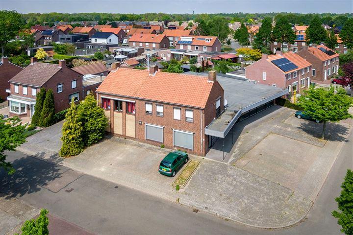 Bernhardstraat 31-33, Haelen