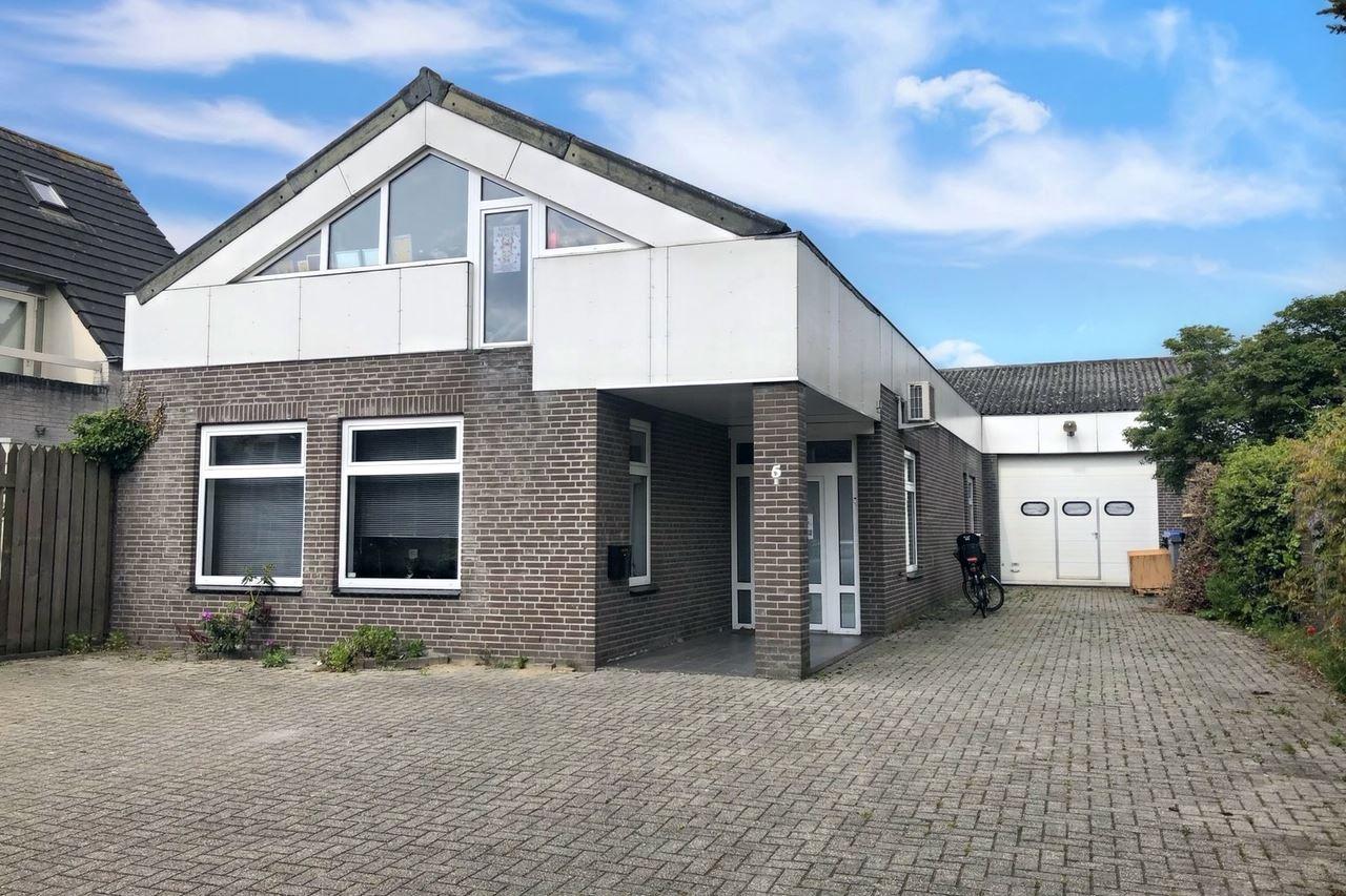 Bekijk foto 1 van Robijnborch 5