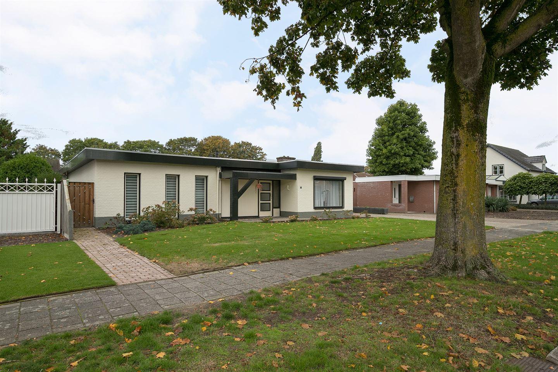 Bekijk foto 4 van Ahrensburgerstraat 5