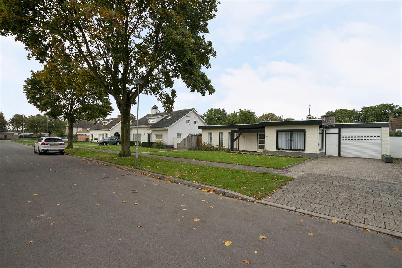 Bekijk foto 3 van Ahrensburgerstraat 5