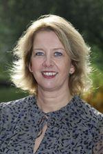 Dionne Herckenrath ()