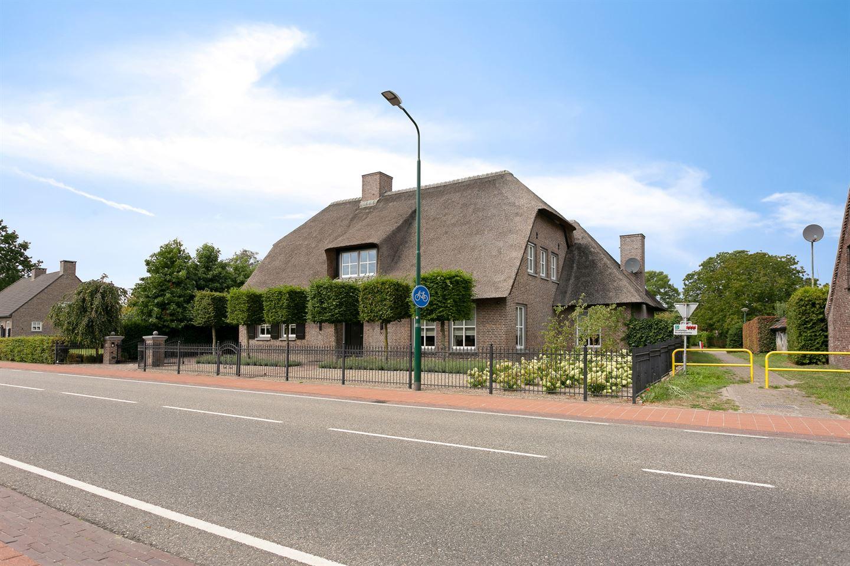 Bekijk foto 2 van Broekstraat 46