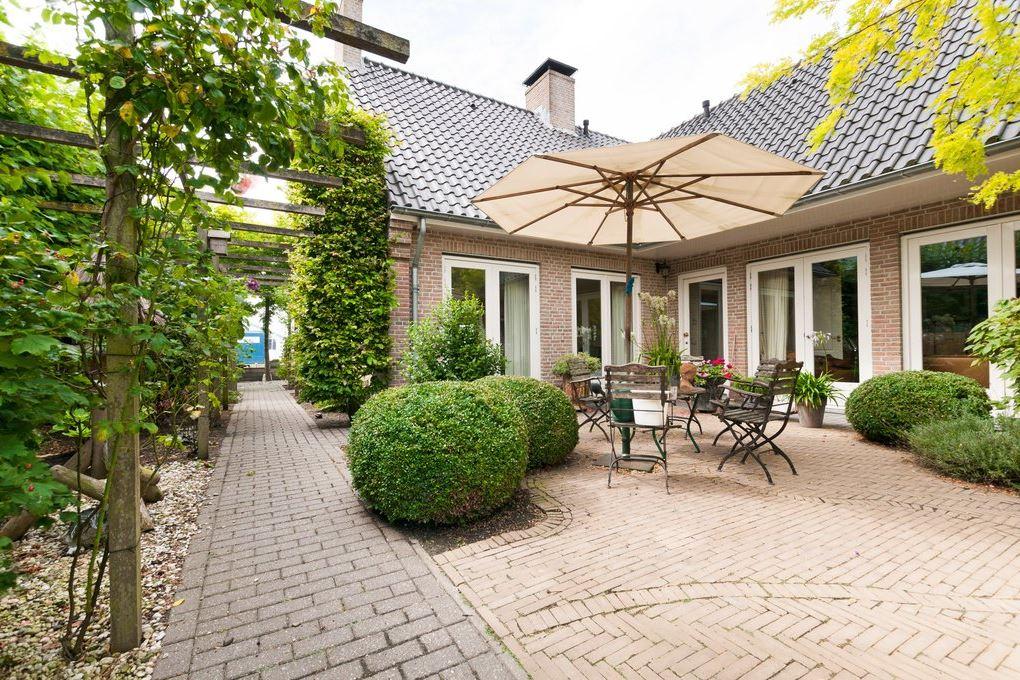 Bekijk foto 2 van Vierambachtsweg 85