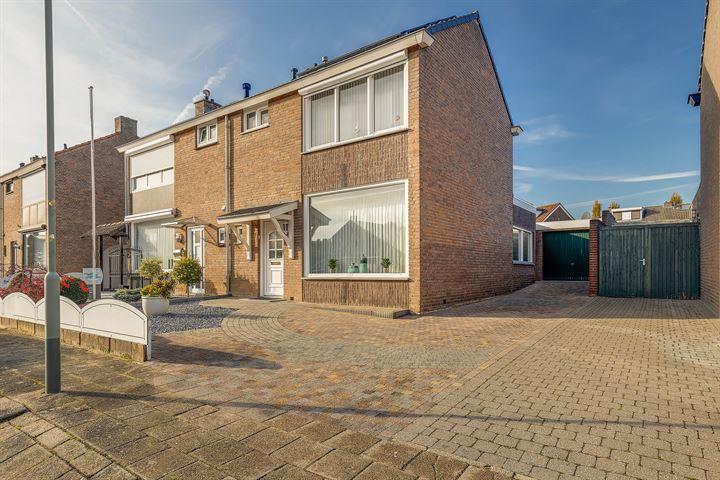 Const Huygensstraat 17