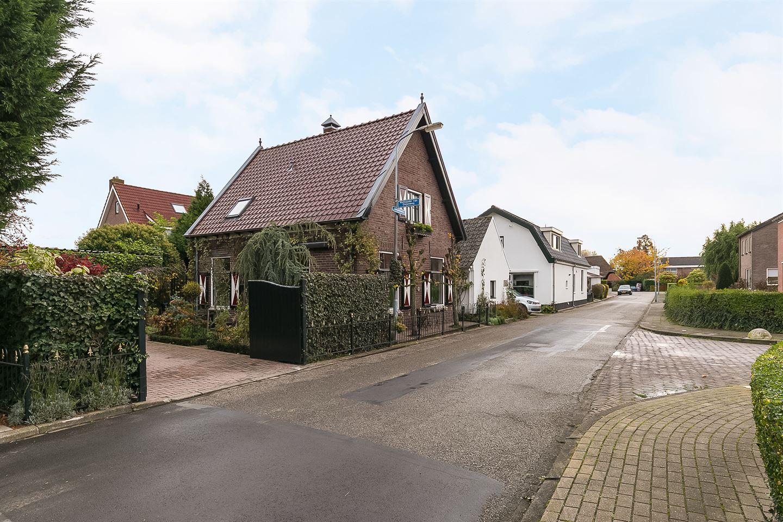 Bekijk foto 2 van Vergardeweg 4