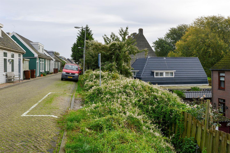 View photo 2 of Oostzanerdijk 103 geheel