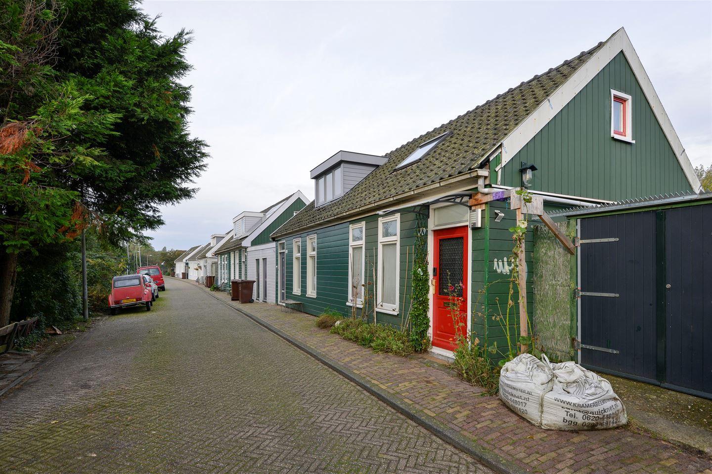 View photo 3 of Oostzanerdijk 103 geheel