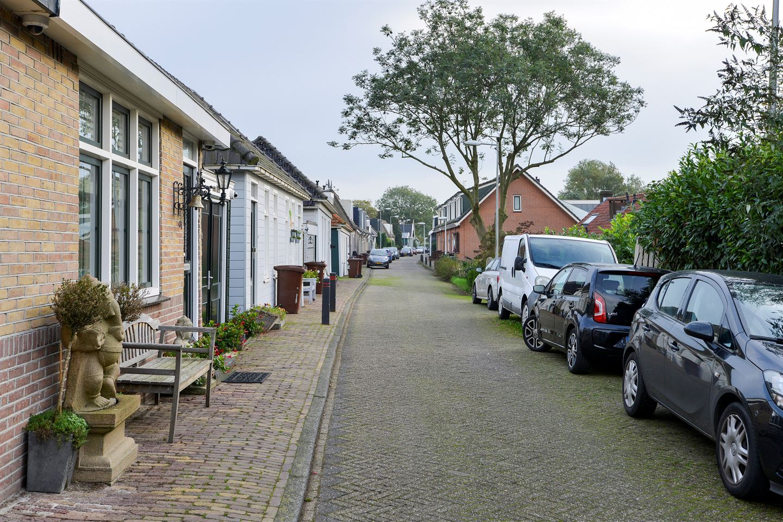 View photo 4 of Oostzanerdijk 103 geheel