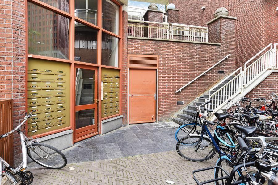 Bekijk foto 2 van Turfmarkt 212