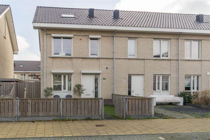 Leen van der Houwenstraat 40