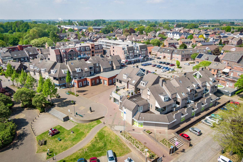 Bekijk foto 2 van Dokter Crasbornplein 9