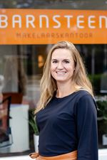 Mette de Graaf (NVM real estate agent)