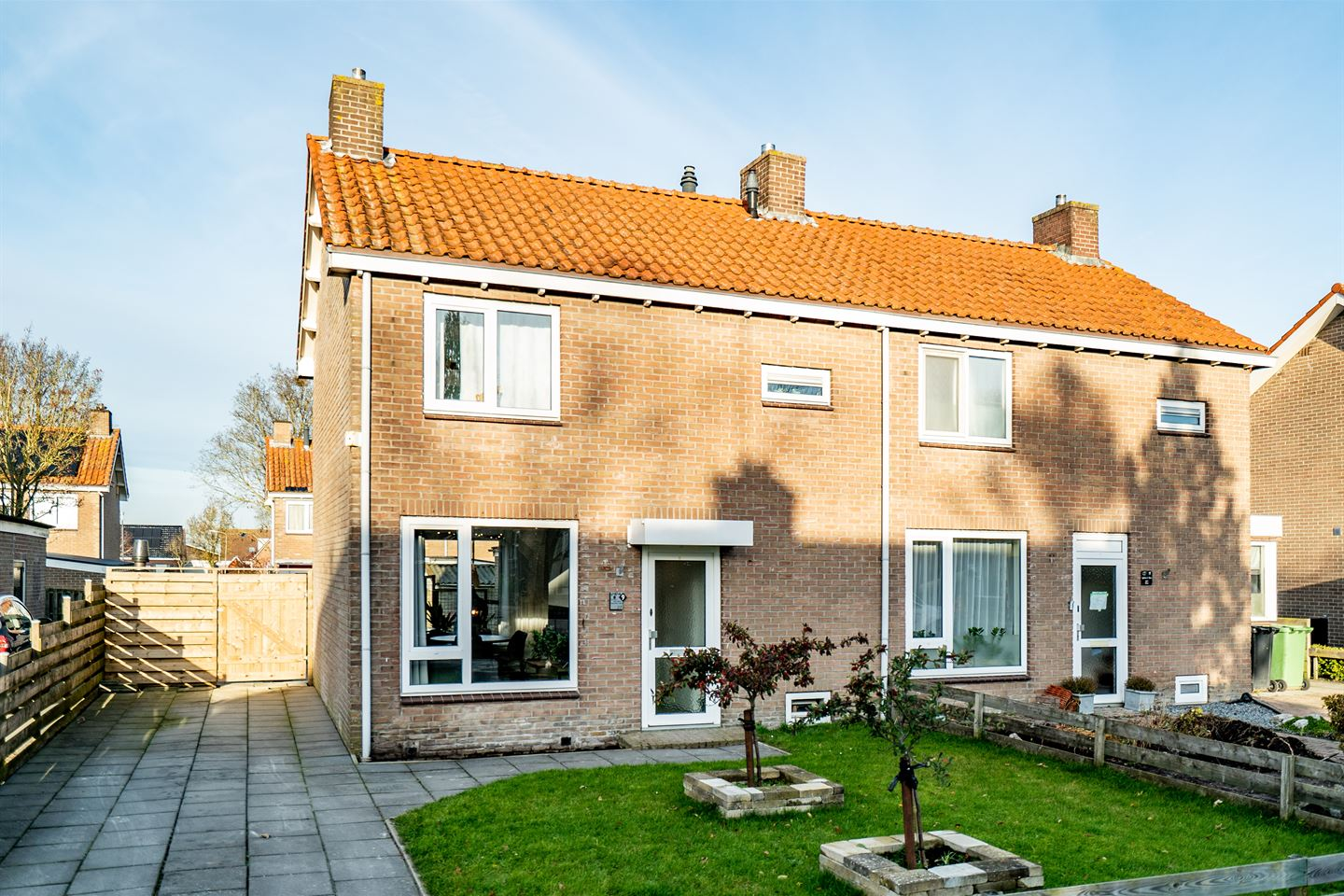View photo 1 of Jacobus van der Waeyenstraat 9