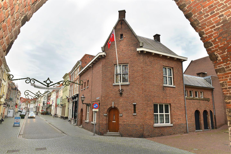 Bekijk foto 1 van Lievevrouwestraat 47