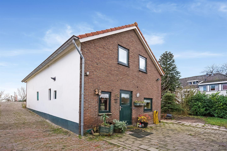 Bekijk foto 2 van Maasdijk 86