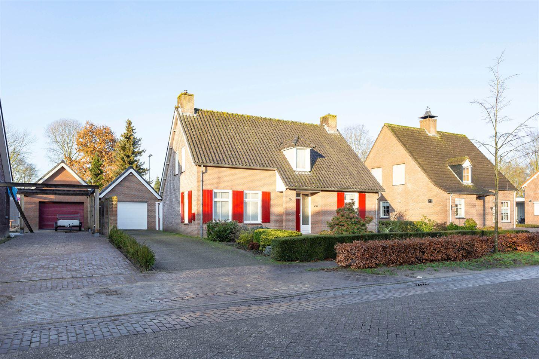Bekijk foto 1 van St. Cornelisstraat 25