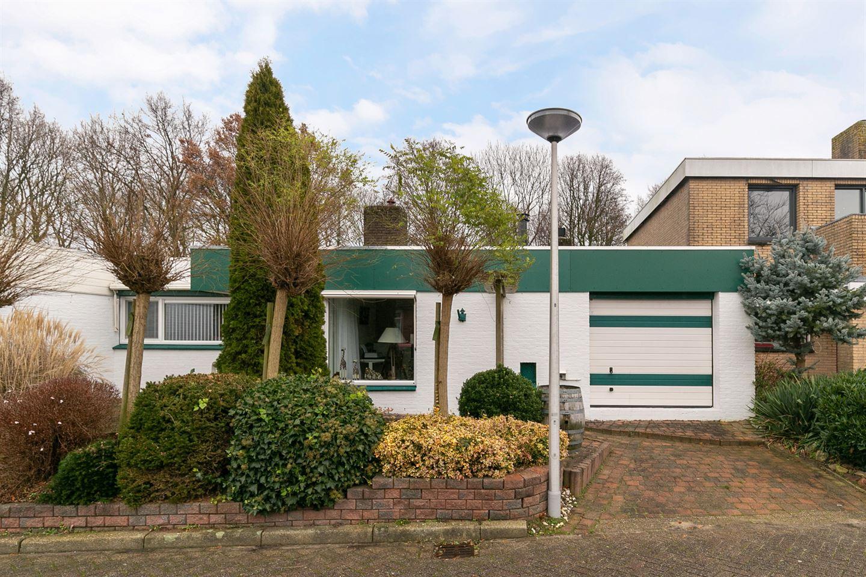 View photo 2 of Merwedestraat 25