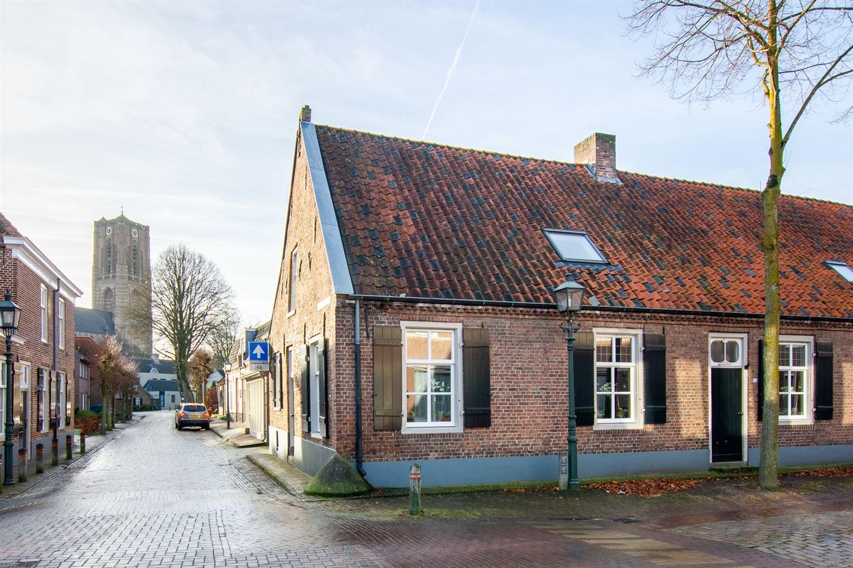 Bekijk foto 3 van St Odulphusstraat 28
