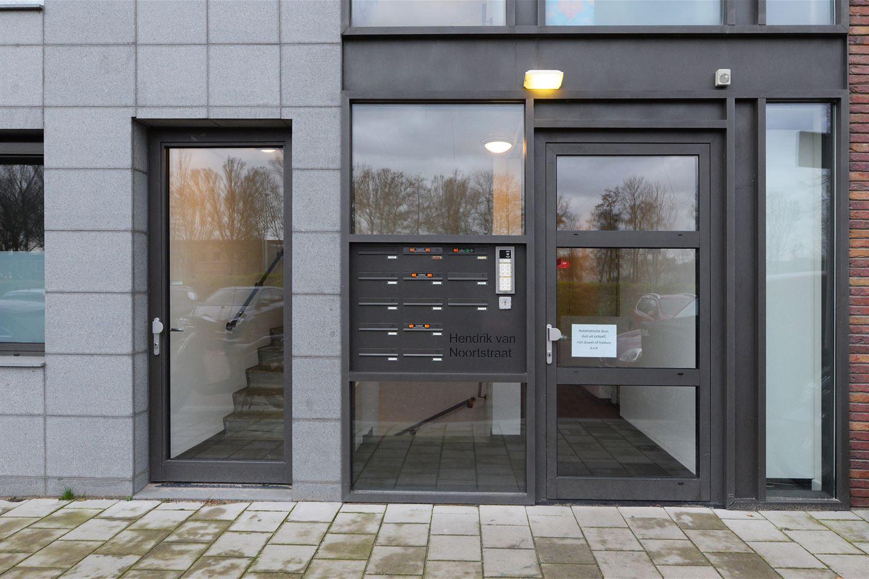 Bekijk foto 2 van Hendrik van Noortstraat 19