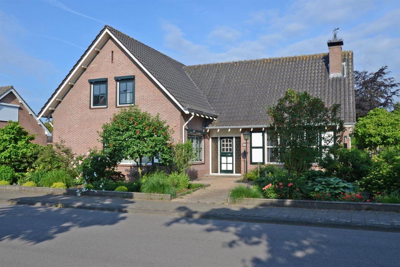 View photo 1 of Kruisbessestraat 63