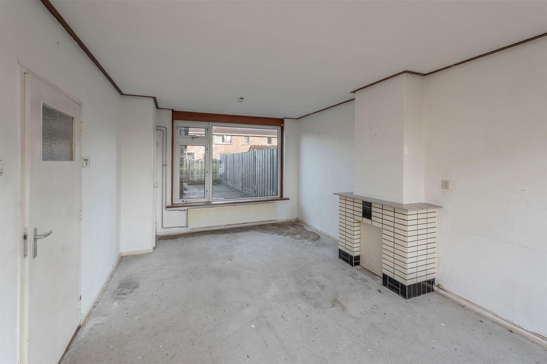 View photo 2 of Beatrixstraat 9