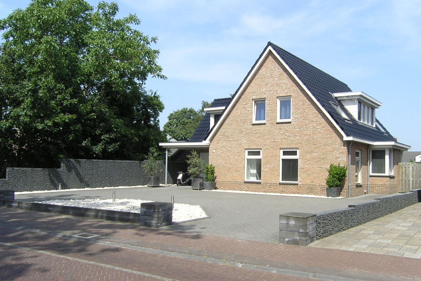 View photo 2 of Westerstraat 46