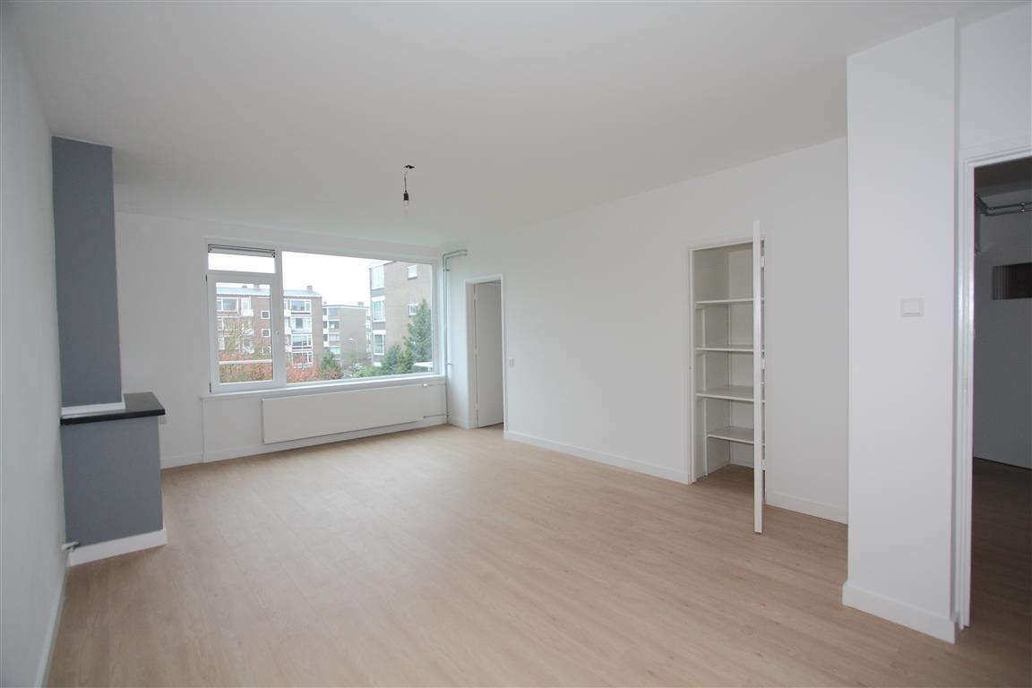 View photo 4 of van Leeuwenstraat 46