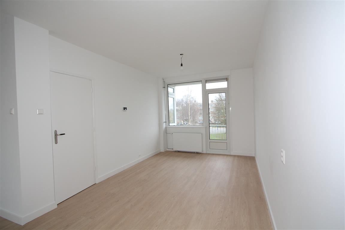 View photo 5 of van Leeuwenstraat 46