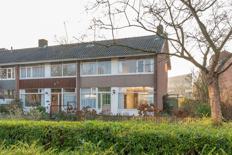 Bekijk foto 2 van IJsselstraat 7