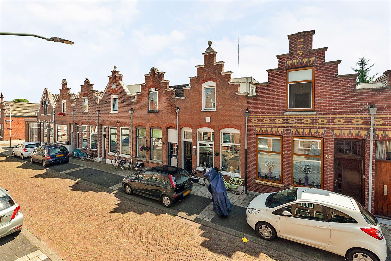 View photo 2 of Oranjestraat 40
