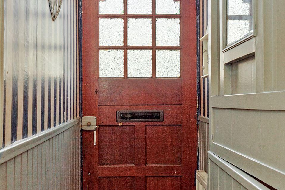 View photo 4 of Oranjestraat 40
