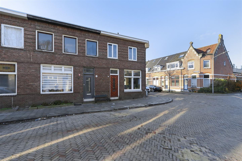 View photo 1 of Roemer Visscherstraat 3