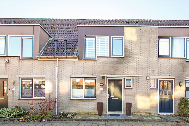 Bekijk foto 3 van Cornelis Aarnoutsstraat 137
