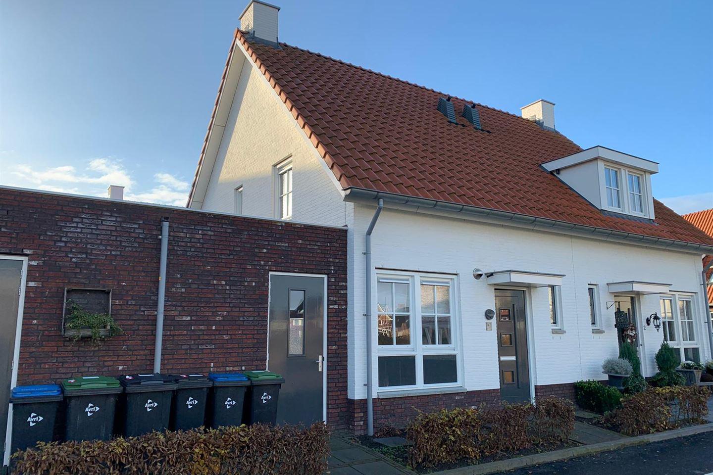 Bekijk foto 1 van J van Damstraat 4