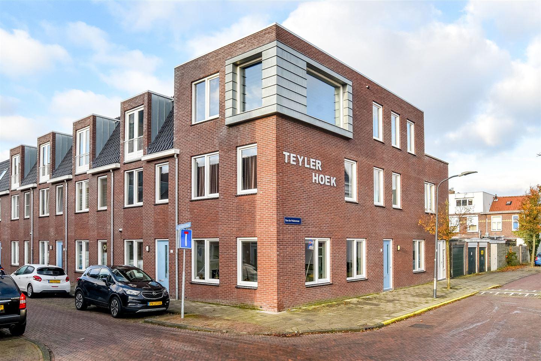 Bekijk foto 1 van Van der Hulststraat 28