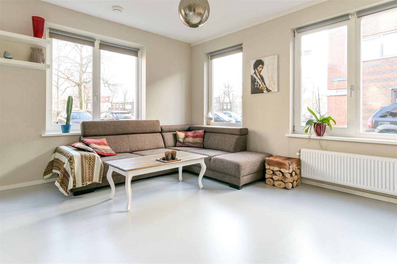 Bekijk foto 2 van Van der Hulststraat 28