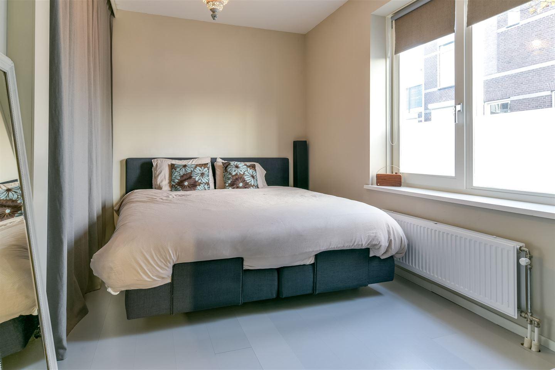 Bekijk foto 5 van Van der Hulststraat 28