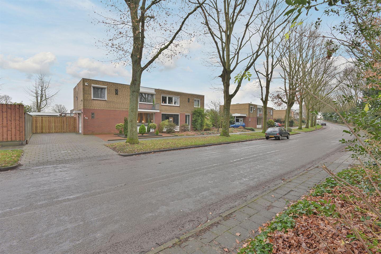 Bekijk foto 2 van Van Akenstraat 32