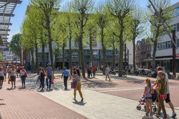 Bekijk foto 4 van Burgemeester Loeffplein 53 -58