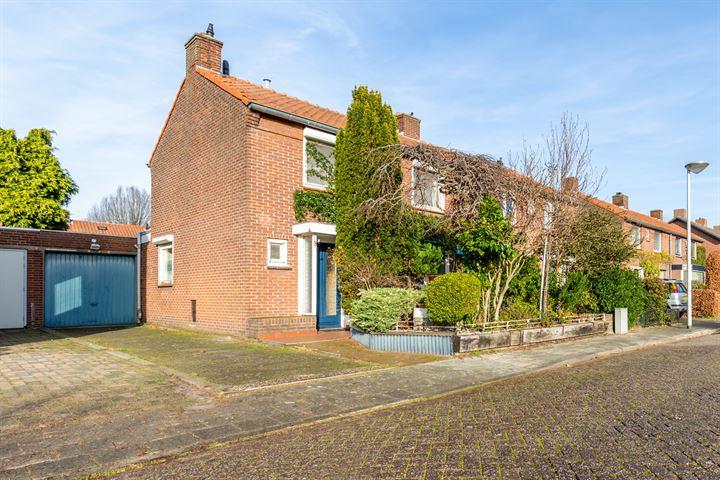 Van Ruusbroecstraat 10