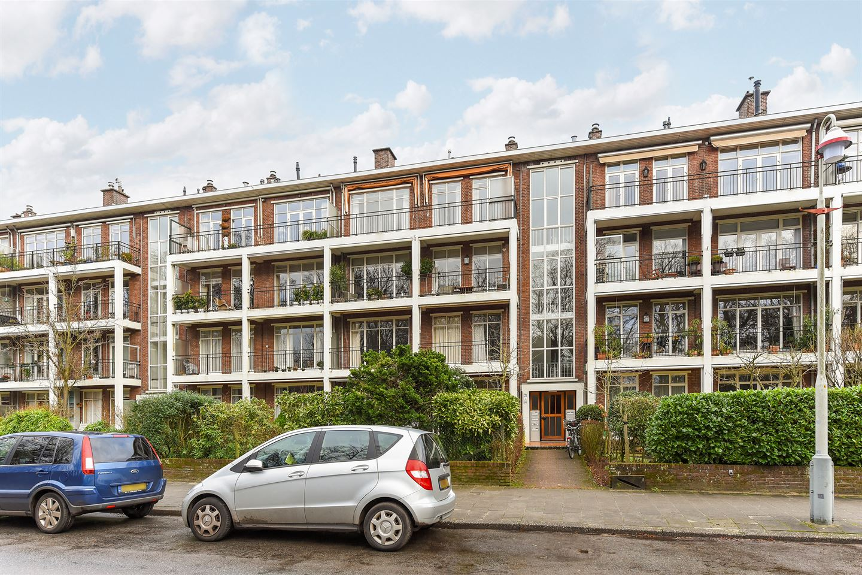 View photo 1 of Van der Houvenstraat 37
