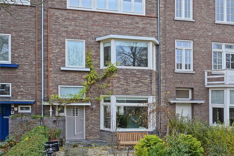 View photo 2 of Sint Lambertuslaan 28