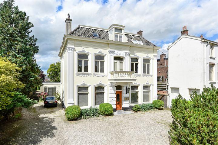 Spoorstraat 2 *, Baarn