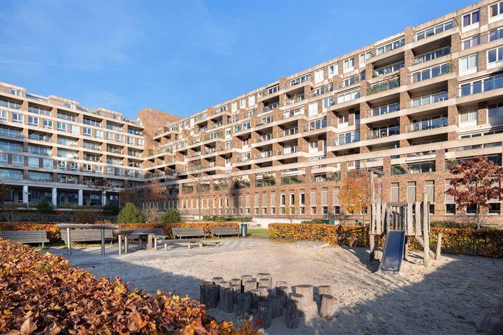 Bos en Lommerplein 87