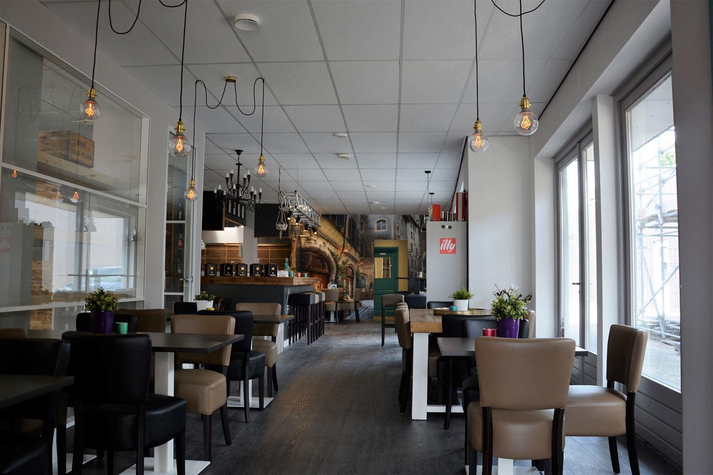 Bekijk foto 2 van Piet van Thielplein 10