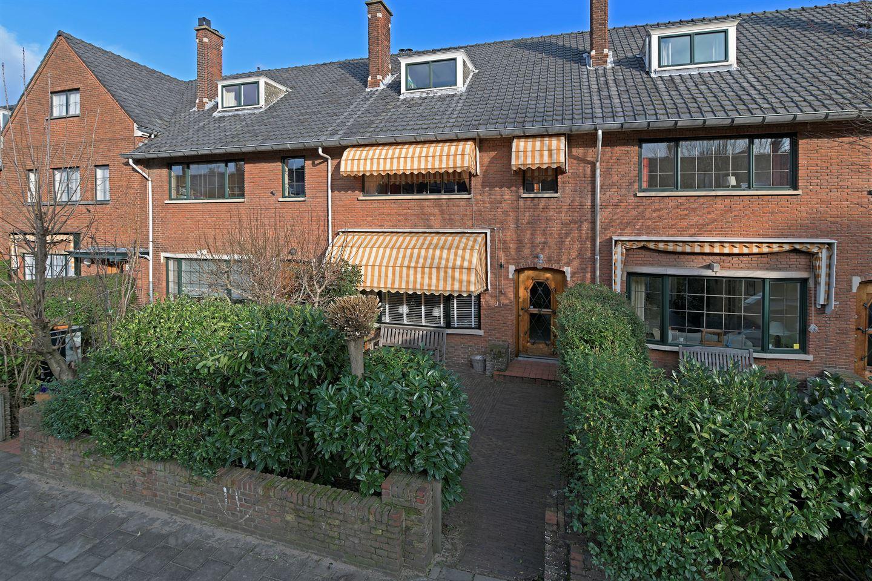 View photo 1 of Van Wouwstraat 9