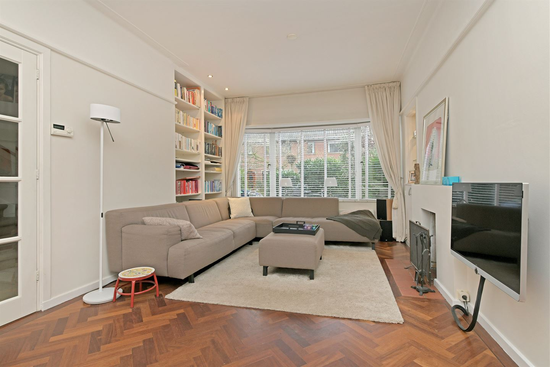 View photo 6 of Van Wouwstraat 9