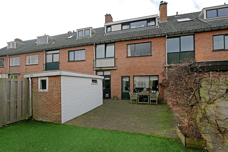 View photo 2 of Van Wouwstraat 9