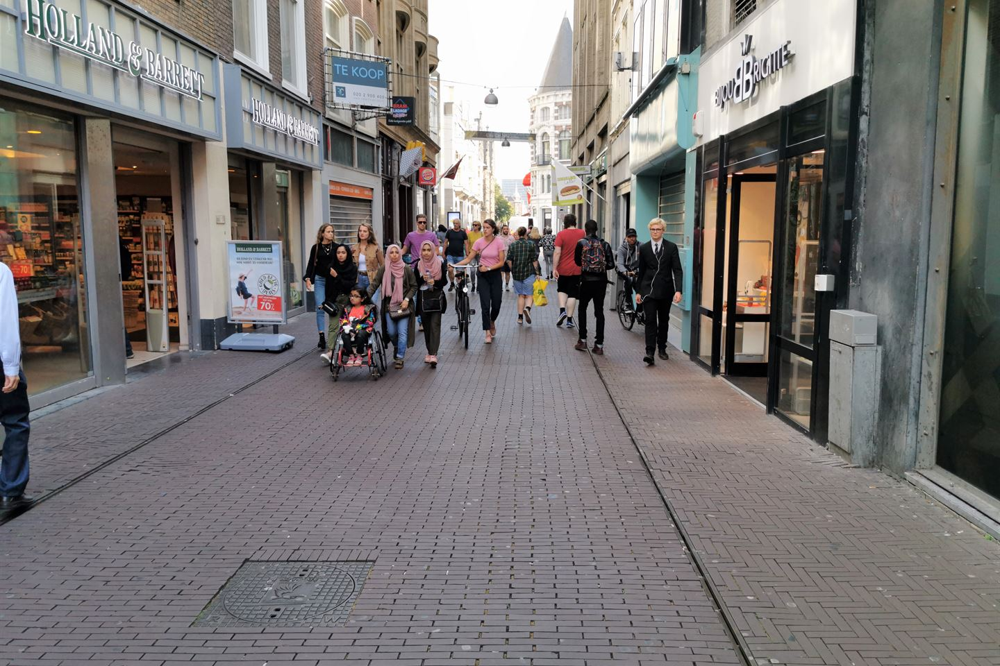 View photo 3 of Spuistraat 62