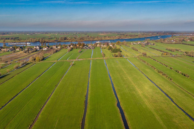 Bekijk foto 2 van Lekdijk 17